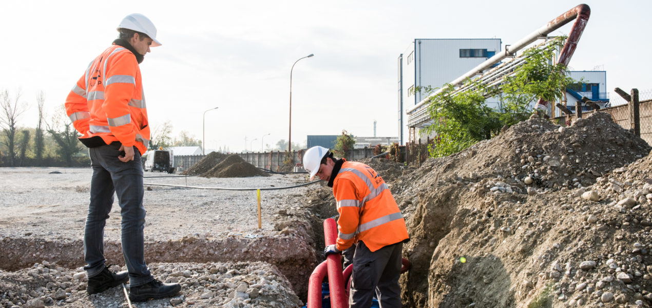 deux ouvriers sur un chantier